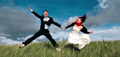 Happy couples jumping in the air. #weddingphotographyperth