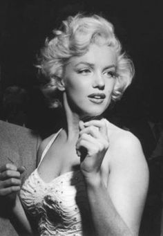 The beautiful Marilyn Monroe.<3
