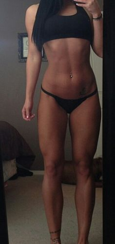 .looks like Michelle Lewin ^^^^ I dislike you. It's Tana Ashlee and she doesn't even come close to Michelle. Michelle is PERFECT.
