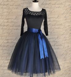 Navy tulle skirt for women. Fall and winter favorite in my shop. Now with this lovely deep navy and black satin lining. Click on print for more information :)