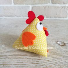 Quick & easy Chicken Pattern in Pyramid / Tetrahedron shape. Perfect to sew as ornament, pincushion, doorstop, bean bag, potpourri sachet & paper weight. – Page 2 of 2 Felt Patterns, Sewing Patterns Free, Free Sewing, Free Pattern, Pattern Ideas, Sewing Stuffed Animals, Stuffed Animal Patterns, Sock Monkey Pattern, Chicken Pattern