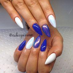 blue & white nails