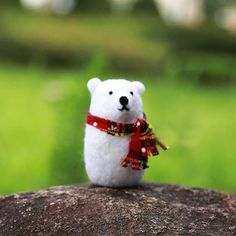 Handmade Needle felted felting project christmas ornament polar bear f Wool Needle Felting, Needle Felting Tutorials, Needle Felted Animals, Felt Animals, Felt Christmas Decorations, Felt Christmas Ornaments, Christmas Ideas, Polar Bear Color, Needle Felted Ornaments