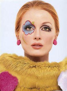 Julianne Moore as Twiggy (makeup by Kevyn Aucoin)