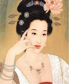 L'impératrice Yang Kwei Fei. One of the Four Beauties of ancient China. She was the beloved consort of Emperor Xuanzong of Tang during his later years