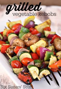 Six Sisters Grilled Vegetable Kebobs Recipe is a great way to get the kids to eat their veggies! Grilling Recipes, Vegetable Recipes, Vegetarian Recipes, Cooking Recipes, Healthy Recipes, Vegetable Kebabs, Bolos Low Carb, Grilled Vegetables, Grilled Vegetable Skewers