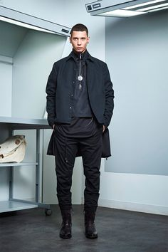 Siki Im presented its Fall/Winter 2017 collection during New York Fashion Week Men's. Sustainable Looks, Cool Mustaches, Urban Fashion, Mens Fashion, Urban Cowboy, Campaign Fashion, Winter 2017, Fall Winter, Autumn