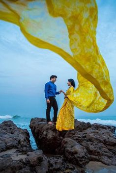 Love Story Shot - Bride and Groom in a Nice Outfits. Indian Wedding Couple Photography, Wedding Couple Poses Photography, Couple Photoshoot Poses, Pre Wedding Shoot Ideas, Pre Wedding Poses, Pre Wedding Photoshoot, Couples Poses For Pictures, Couple Picture Poses, Bali