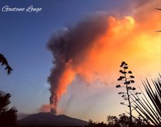 ©️Photo Credit: Gaetano Longo Twitter Active Volcano, Sicily Italy, Photo Credit, Clouds, Mountains, Twitter, Outdoor, Travel, Outdoors