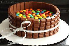 Candy-Cake Kinderschokolade-Torte-Goldbonsche