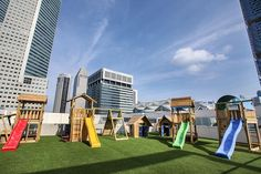 Jungle Gym around the world 🌍 on a roofdeck in Singapore!