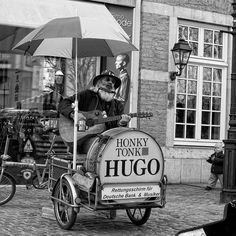 Honky Tonk Hugo - EXPLORE Highest position: 86 on Tuesday, March 29, 2011 by maktub77 - street dog, via Flickr  | #streetscene #people #bw #blackandwhite