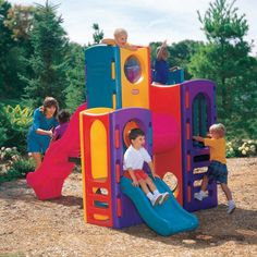 Little Tikes Tropical Playground 437010060 Extra large gym includes four different play levels plus a large hideaway spacemunderneath. Top level has a see-through bubble window, and middle level a crawl throughmtunnel. Includes a 90cm speed sl http://www.comparestoreprices.co.uk/childs-toys/little-tikes-tropical-playground-437010060.asp