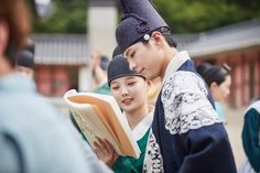 박보검 < 구르미 그린 달빛 > 160903 스틸컷 [ 출처 http://post.naver.com/viewer/postView.nhn?volumeNo=4966186&memberNo=31861995 ]