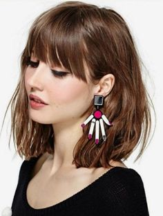 Color The post Color appeared first on Peinados. Cut My Hair, New Hair, Hairstyles With Bangs, Pretty Hairstyles, Pelo Midi, Medium Hair Styles, Short Hair Styles, Edgy Hair, Grunge Hair