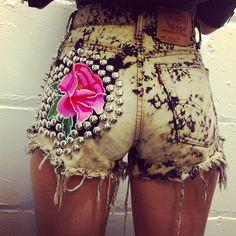 Love these shorts..gotta make myself a pair!