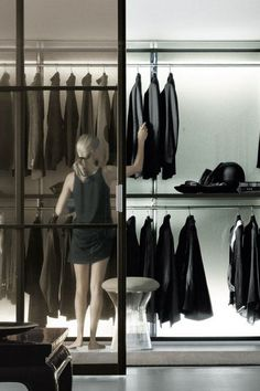 34 Stylish Minimalist Closet Design Ideas