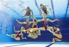 L'équipe japonaise de natation synchronisée. Photo AFP