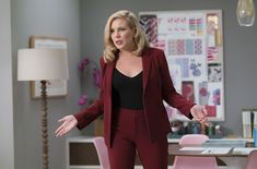 Grace and Frankie Business Professional Outfits, Business Outfits, Business Attire, Business Fashion, Work Fashion, Curvy Fashion, Fashion Looks, Cute Office Outfits, Cool Outfits