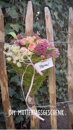 Romantic Home Decor, Garden Deco, Diy Outdoor Furniture, Mother's Day Diy, Mom Birthday Gift, Diy Home Decor Projects, Mothers Day Crafts, Creative Decor, Felt Flowers