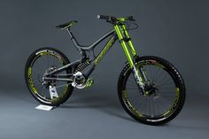 Santa Cruz V10 with DVO Suspension Emerald Fork & Jade Shock