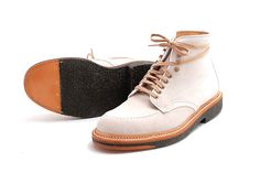 nice Indy's (HFord wore them in the Indiana Jones movies) for the spring..