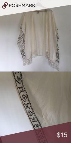 Shirt sleeve jacket Off white short sleeve jacket/shaw size xlarge self esteem brand 100% rayon Self Esteem Tops