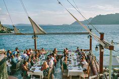 a few of my favorite images from Gervase and Bridie's wedding. dinner . wedding planner in Santorini :  http://www.santoriniglamw