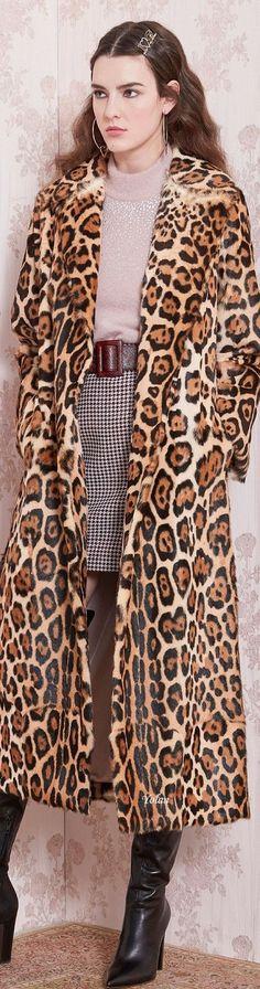 Leopard Fashion, Animal Fashion, Runway Fashion, High Fashion, Fashion Show, Glamour Beauty, City Chic, Fall Outfits, Style Me