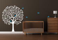 Round tree w birds