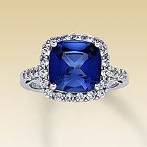I want this, but with white sapphire instead :) I'm in love with it <3