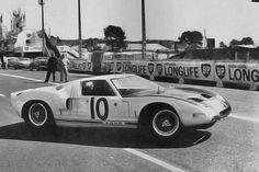 Ford Gt40, Sports Car Racing, Race Cars, Ferrari, Ken Miles, 24 Hours Le Mans, Courses, Automobile, Bruce Mclaren