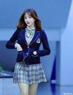 School Uniform Outfits, School Girl Outfit, Girly Outfits, Fashion Outfits, Ahn Hani, Ulzzang Girl, Ulzzang Fashion, Korean Celebrities, Korean Outfits