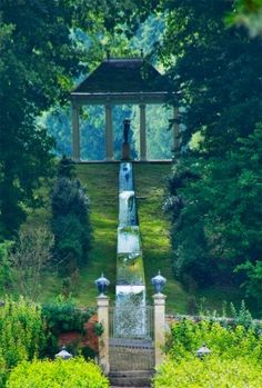 Water features / Photographic / Water walls | David Harber Resource Library
