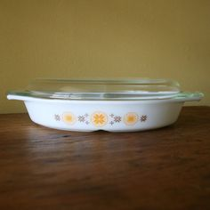 Pyrex Town & Country Cinderella Divided Serving Dish with lid, #963 (1.5 quart), c. 1963