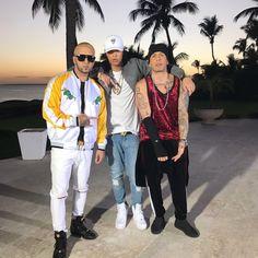 En la grabación del video #Desobediente junto a @noriel_danger  en RD #Trap #AlexisyFido Instagram Bad Bunny, Danger, Trap, Musical, Videos, Bff, Hip Hop, Street Wear, Reyes