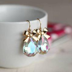 Win over @ http://femmezecretjewelry.blogspot.hk/2013/04/april-giveaway.html