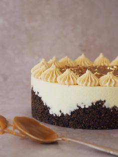 Oreocheesecake med saltkaramel og peanutbutterfrosting - The Food Factory Oreo Cheesecake, Cheesecake Recipes, Dessert Recipes, Desserts, Sin Gluten, Stevia, Nutella, Cream Cheese Recipes, Coffee Recipes