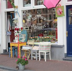 A sweet little store across the street from the Anne Frank House museum Wooden shoes, tulips, windmills, cheese.these are the things that most people associate with Holland, though of course there's so much more! After my recent trip to The. Amsterdam Sights, Amsterdam Shopping, Amsterdam Travel, Cute Store, Anne Frank House, Store Displays, Window Displays, Dutch Door, Shop Fronts