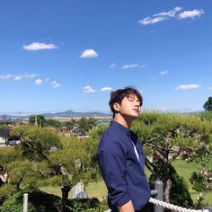 キム・ミョンス(INFINITEエル)、青い空にぴったりの天使のビジュアル | K-POP、韓国エンタメニュース、取材レポートならコレポ!