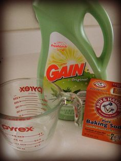 DIY Fabric Refresher - Cleaning go to - Homemade Febreze, Homemade Air Freshener, Diy Cleaners, Cleaners Homemade, Household Cleaners, Cool Diy, Diy Fabric Softner, Clean Couch, Clean Clean