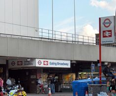EalingBroadway1.jpg (670×556)