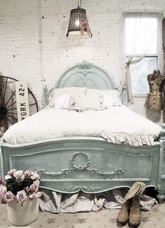I like the color of the bed