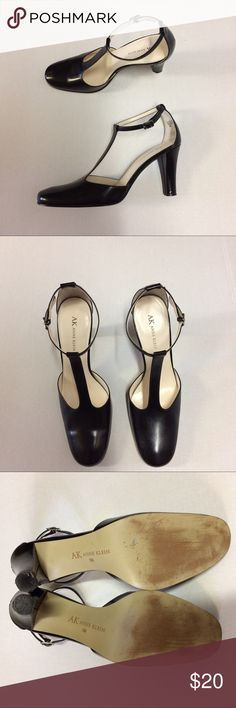 "Anne Klein Black Leather Heels, Size 9 Anne Klein Black Leather Heels in a Mary Jane style with T strap. Very good used condition, see pictures for wear. Size 9 with 3.5"" heel. Anne Klein Shoes Heels"