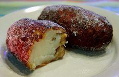 EMPANADAS DE PLATANO are the BEST   i love this food !!!!!!!!!!!!!!!
