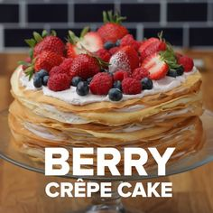 Cake Recipes Berry Crepe Cake This crepe cake made with fresh, locally-sourced berries from W. Just Desserts, Delicious Desserts, Dessert Recipes, Yummy Food, Health Desserts, Healthy Food, Kreative Desserts, Tasty Videos, Cooking Videos Tasty