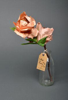 ✕ Paper flowers, from esty shop FrancesandFrancis