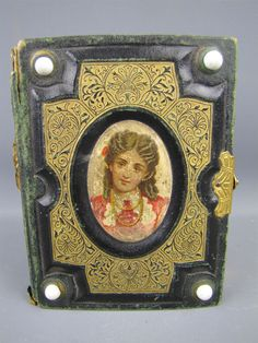 Small Antique Victorian Decorative Green Photo Album