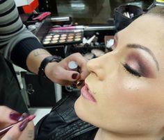 Sem filtro só para mostrar o trabalho PERFEITO da @vheridianna !!!! Gente ela arrasa muito!  #detailsoftheday #producaododia #makediva #arrasou #amo #makeup #fiquelinda #esteticamegahairnh #maketop #snapsave #blog #lubyyou #beutytips