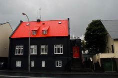Best Red Roof House Colors Share In 2019 Red Roof House 640 x 480